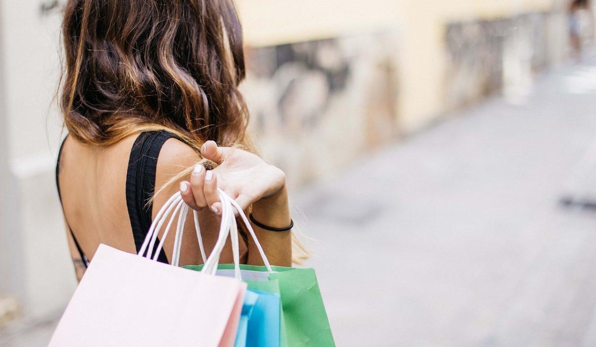 faire du shopping de vêtements à moindre coûts
